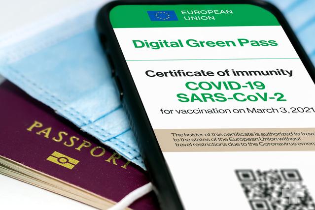 Vacunas y soluciones digitales en aras del alivio de las restricciones a los viajes